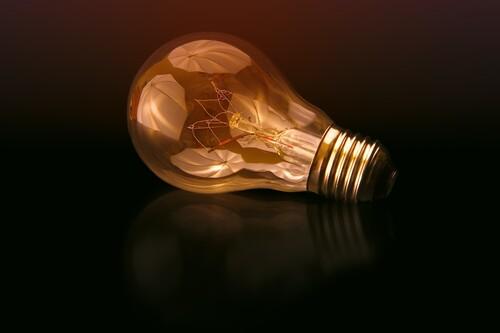 Por qué el futuro del precio de la luz a medio plazo tiene mala pinta y va a seguir rompiendo récords, según los expertos