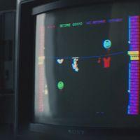 En 'Black Mirror: Bandersnatch' hay un huevo de Pascua fantástico y muy friqui: el juego 'Nohzdyve' para el ZX Spectrum
