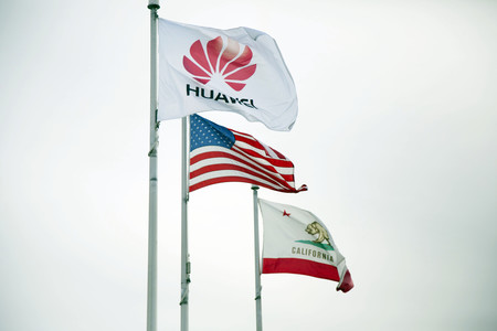 Ahora sí, Huawei va a por todas en Estados Unidos, hogar de Apple, de la mano de las operadoras