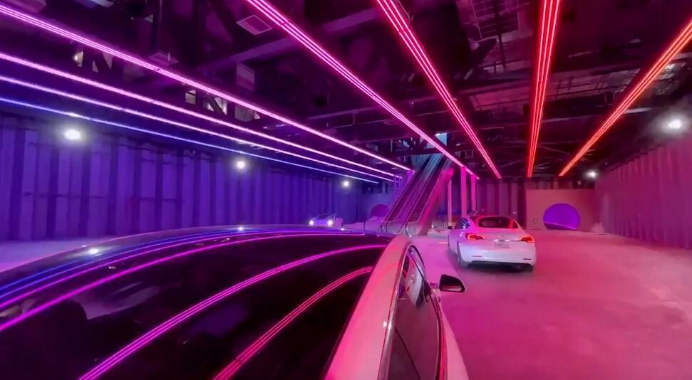 Musk prometió coches a 240 km/h en su revolucionario túnel de Las Vegas: la realidad es que (por ahora) van a 50 km/h