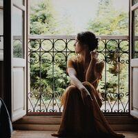Para crear un lookazo de primavera solo necesitas unas Converse y gastar menos de 13 euros en el vestido que triunfa en Amazon