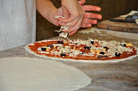 Tres formas diferentes de usar tomate en tus pizzas