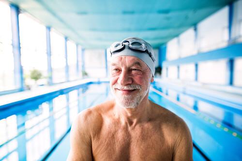 Ejercicio físico en la piscina: un circuíto para ponerte en forma dentro del agua