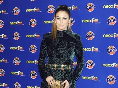 Todas de negro en los Premios Neox Fan