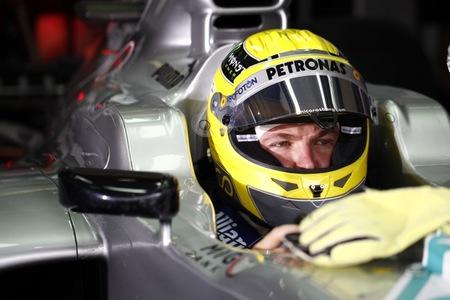 Nico Rosberg arrasa por la pole position; Sebastian Vettel eliminado en Q2
