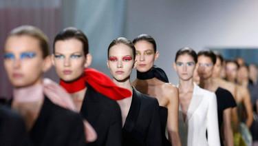 Christian Dior Primavera-Verano 2013: entre lo clásico y lo vanguardista