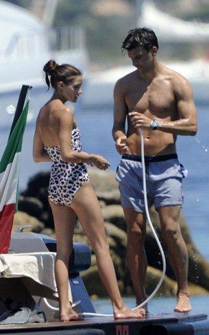 Vacaciones verano 2010: las celebrities se van a la playa, sus estilos más sexys en bikini