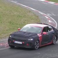 El nuevo Kia Stinger ya está rodando en Nürburgring, y su restyling parece bastante sutil