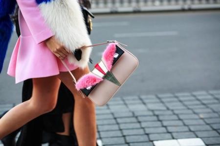 Los bolsos con pelo dan alegría