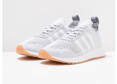 7d50229da83 50% de descuento en las zapatillas deportivas Adidas Originals flashback   ahora 59