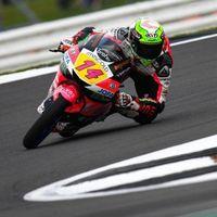 Tony Arbolino se empeña en meterse en la lucha por el mundial de Moto3 consiguiendo la pole en Silverstone