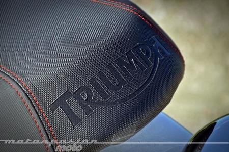 Triumph Bonneville T214 016