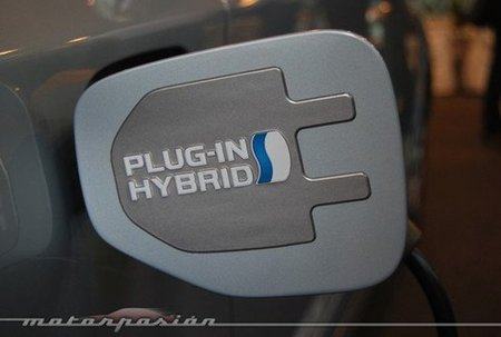 El Prius enchufable llegará a Europa en el otoño del 2012
