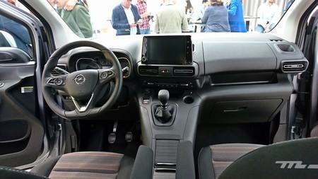 Opel Combo Life 2018 009