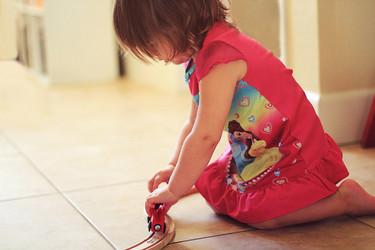 La foto de tu bebé en noviembre: tu bebé jugando