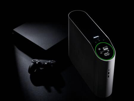 Los SAI ya no tienen por qué ser feos, Schneider ha presentado un modelo con orientación gaming y estética futurista