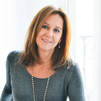 María Dueñas quiere repetir el éxito de 'El tiempo entre costuras': Amazon adaptará su novela 'La Templanza'