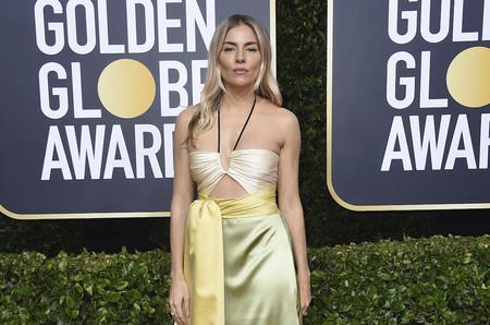 Sienna Miller se enfunda en el vestido más hippy de los Premios Globos de Oro 2020