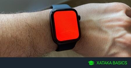 Linterna de Apple Watch: para qué sirve la luz roja y los otros modos que tiene