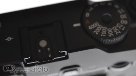 Fujifilm XPro-1 vista detalle zapata flash