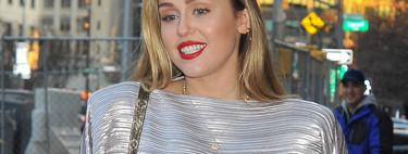 Es posible que estas Navidades quieras inspirarte en el último estilismo de Miley Cyrus (y no bromeamos)