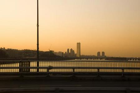 Edificio 63, el rascacielos dorado de Seúl