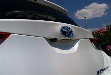 Toyota Auris 2015 Hibrido 26