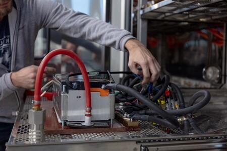 La revolucionaria técnica para reciclar baterías de coches eléctricos que promete abaratar su coste