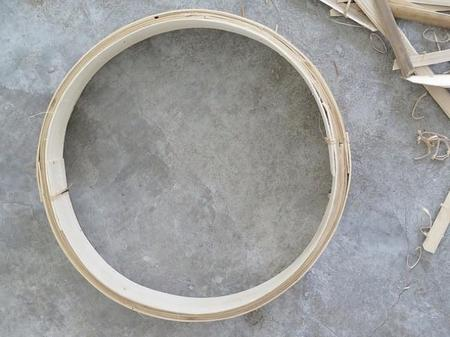estanteria redonda con cuerdas
