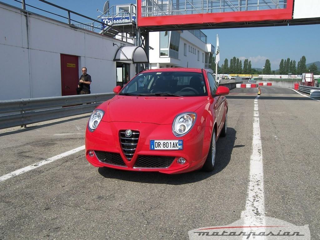 Foto de Alfa Mi.To, prueba en el circuito de Varano de Melegari (7/46)