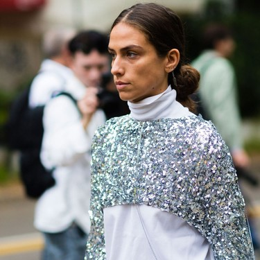 Seguirás usando tus prendas de lentejuelas después de Nochevieja: palabra del street style