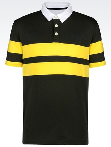 Un polo deportivo de Armani para vestir de amarillo
