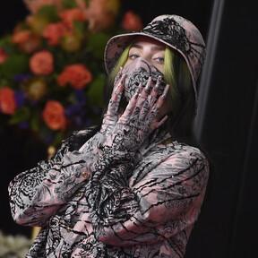 La mascarilla a juego con el resto del look: la tendencia que antes era impensable y que ahora invade los Grammys 2021