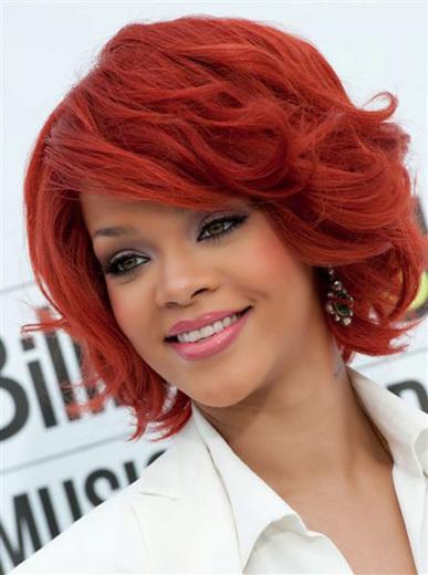 Rihanna pelo rojo