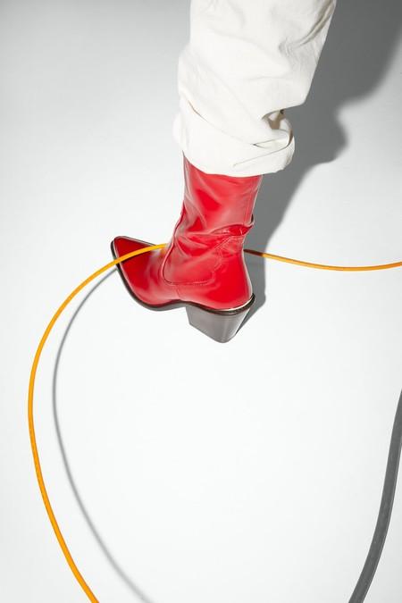 13 botas (y botines) cowboy de Zara perfectos para pisar la nueva temporada con garbo y estilo