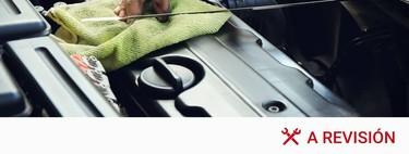Cómo mirar el nivel de aceite del coche