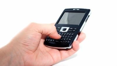 Si usas más el móvil para enviar mensajes que para llamar, tranquilo, no eres un bicho raro