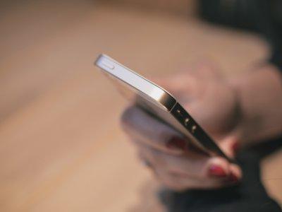 La Guardia Civil desmantela una red de estafas en contratos de telefonía móvil