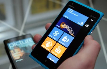 Lumia 900: Nokia da la última pincelada al «primer Windows Phone real»
