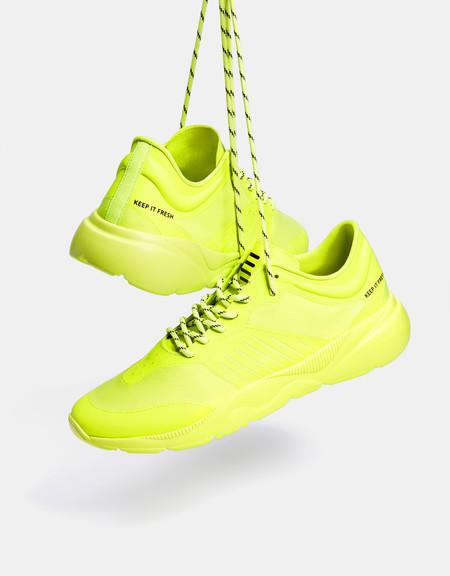 Tonos Neon Son La Nueva Tendencia Que Debes Probar Con Estos Basicos De Bershka