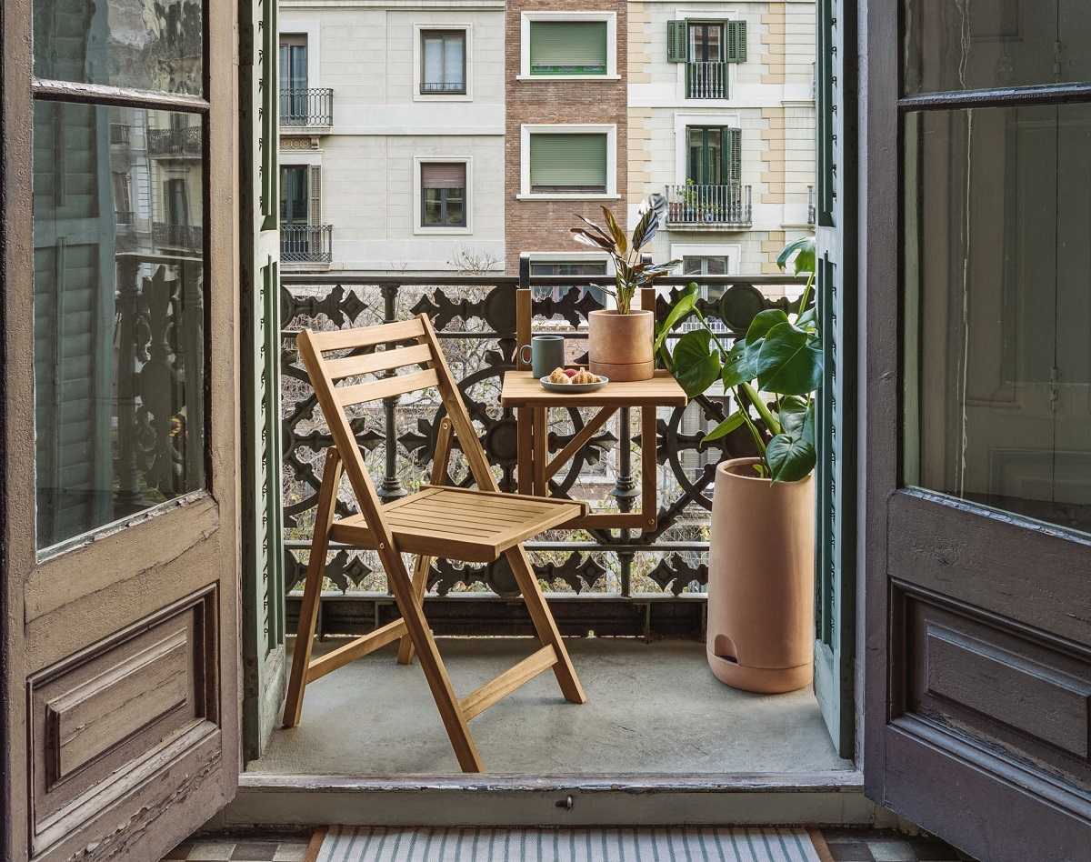 Mesa plegable para balcón pequeño