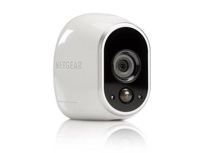 Oferta flash: sólo hasta esta tarde, Amazon te deja la cámara de videovigilancia Netgear Arlo VMC3030-100EUS en 105,36 euros