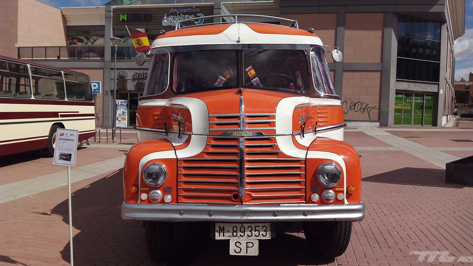 Exposición de autobuses