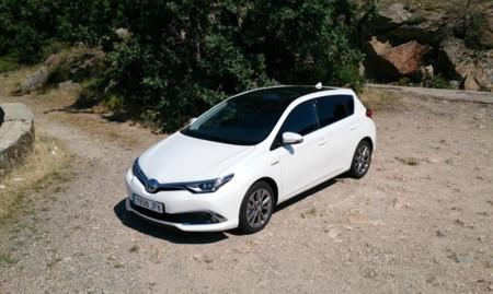 Probamos el Toyota Auris 2015 hybrid: conducción y motorización