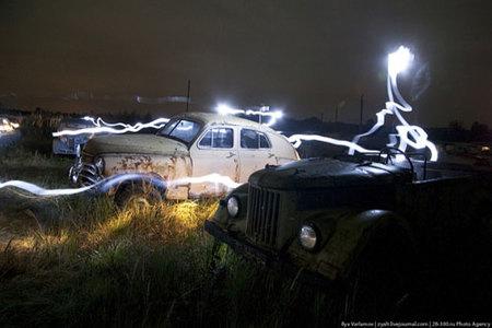 Más fotos nocturnas en un cementerio: ahora en Rusia