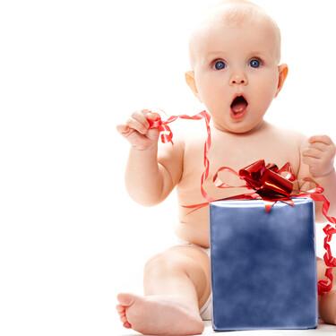 Nueve cosas que debes tener en cuenta antes de hacerle un regalo a un bebé