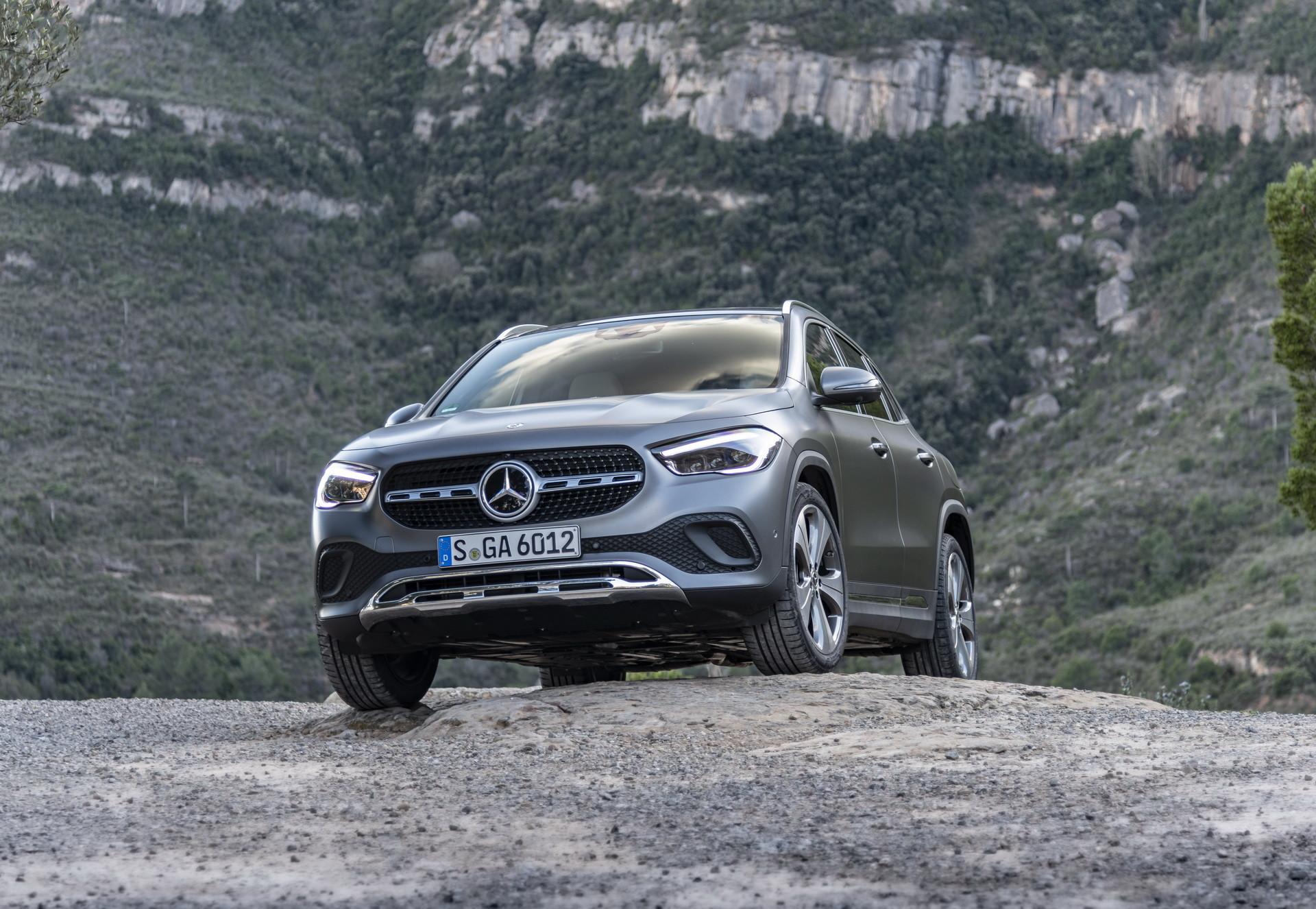 Foto de Mercedes-Benz GLA 2021 (31/103)