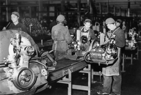El día que el Ejército de Estados Unidos liberó la primera fábrica de Volkswagen y nació Wolfsburg tal y como la conocemos