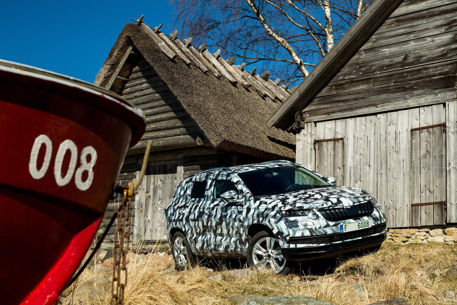 Foto de Škoda Karoq (camuflaje) (10/23)