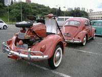 Volkswagen Beetle y Vespa: dos clásicos juntos